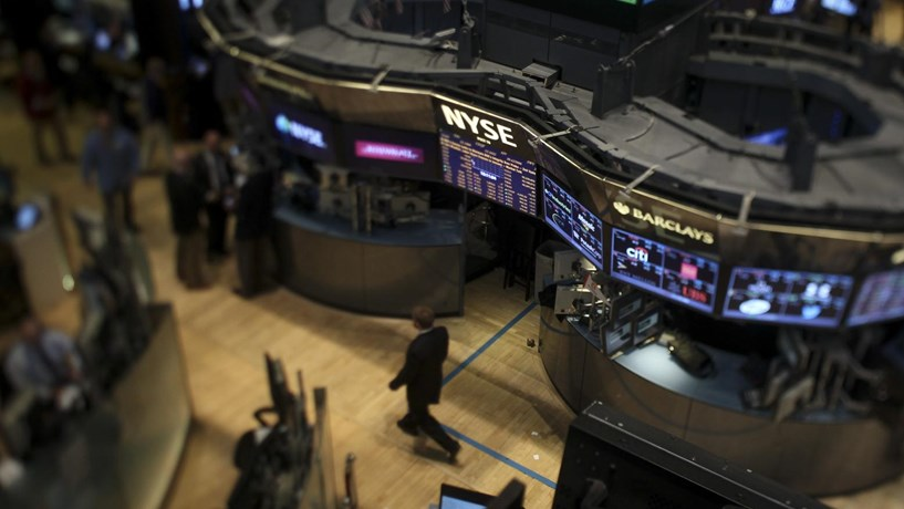 S&P 500 e Nasdaq batem recordes; Dow Jones volta a subir