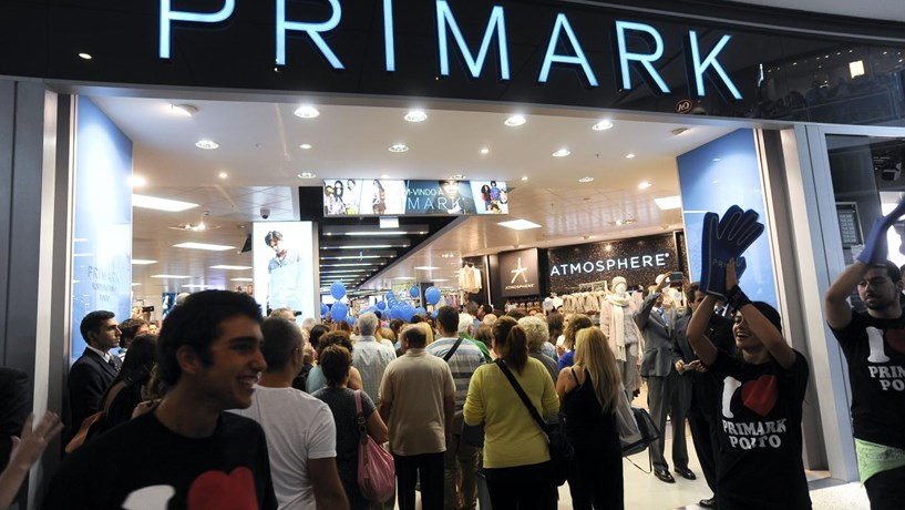 Primark perde 700 milhões por mês. Fecha tudo e cancela todas as encomendas